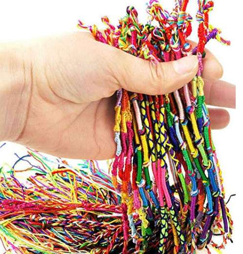 2,48€ le lot de 10 bracelets de l'amitié
