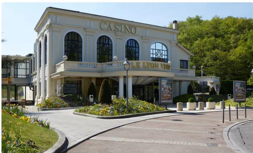 Casino Le Lyon Vert : 49.9€ le repas pour 2 + 10€ de jetons